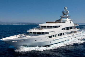 Lucky Lady Superyacht Charter