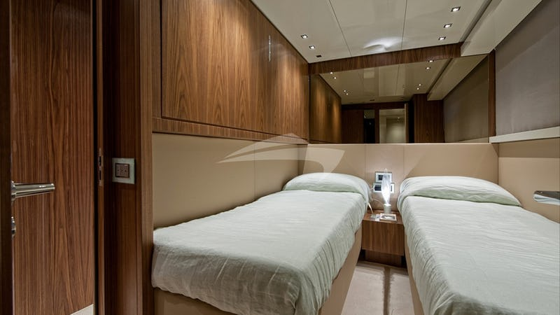 FORTUNA :: Twin guest cabin