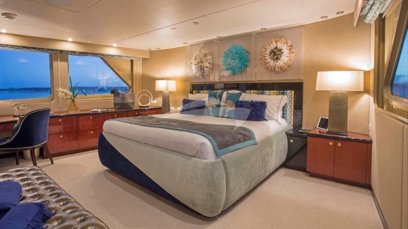 SWEET ESCAPE :: Master Stateroom