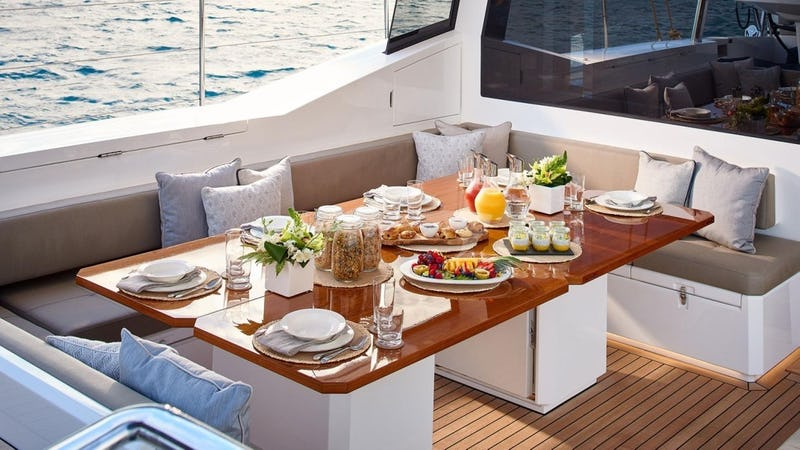 ARCHELON :: Deck Dining