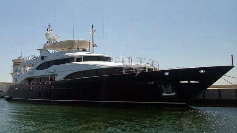 Yacht Charter GRANDE AMORE