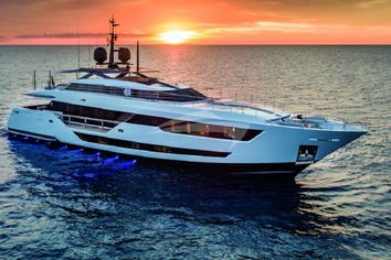 126ft Yacht VISTA BLUE