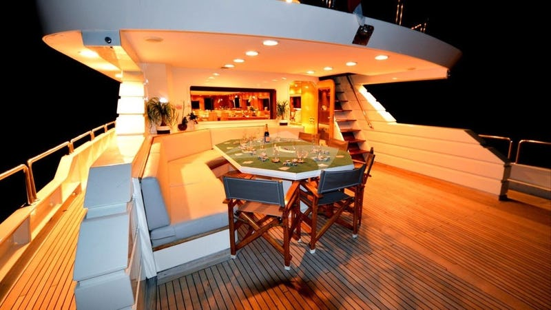 SPICE OF LIFE :: Aft Deck