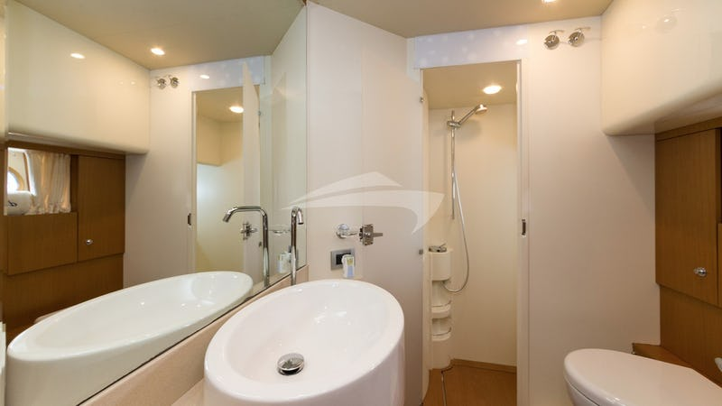 D'ARTAGNAN :: Vip ensuite with shower