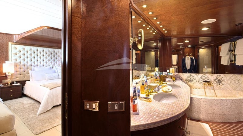SIRAHMY :: Master Stateroom and Bathroom