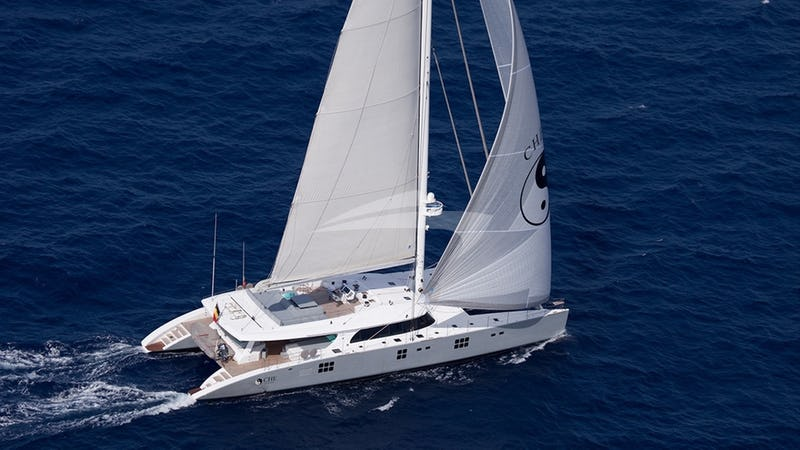 Yacht Charter CHE