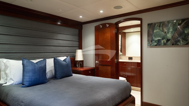 Queen Stateroom, port side