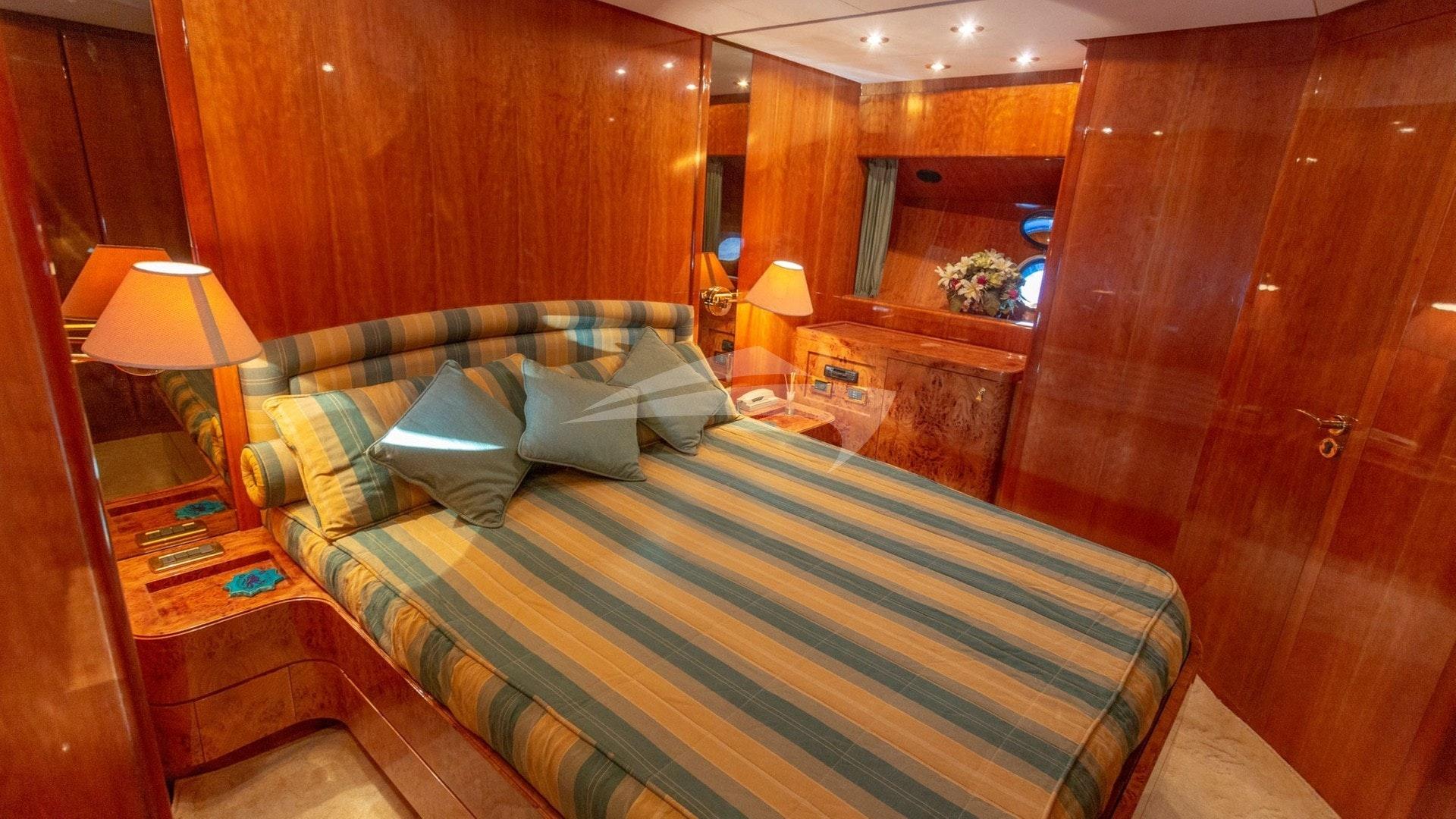 BarbarossaMoratti-SanLorenzo-72-VIP Cabin-02