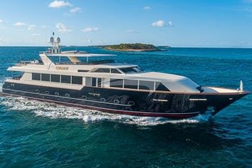 118ft Yacht TRUE NORTH