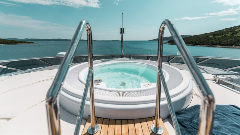 AGRAM :: Deck space and Jacuzzi