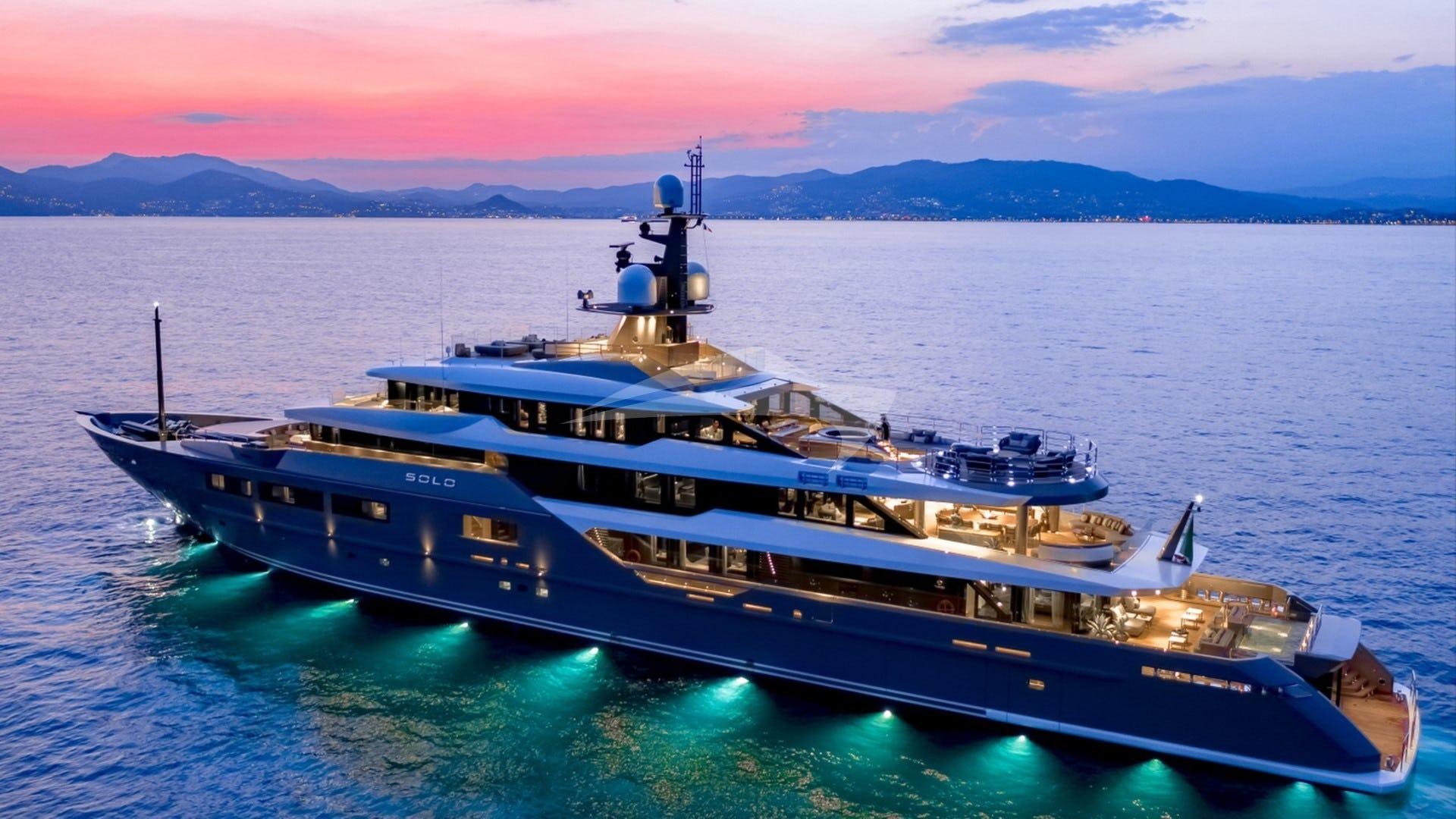 Yacht SOLO Charter Yacht