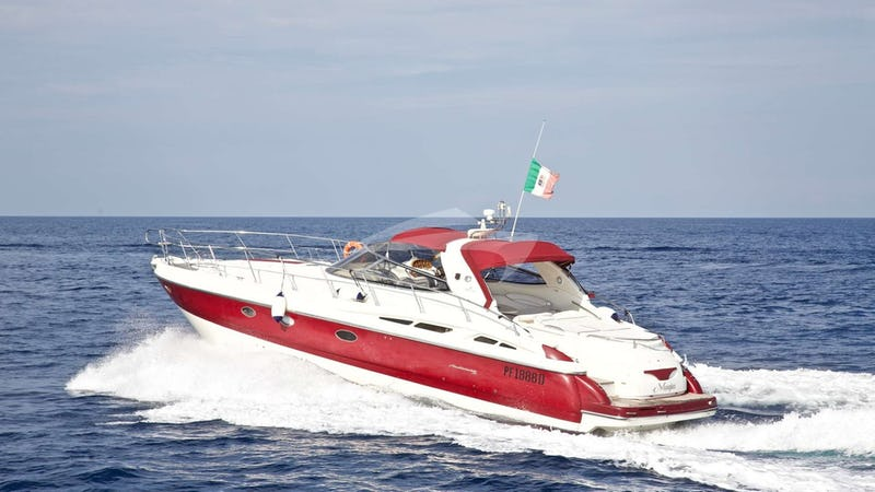 Yacht Charter MAGIA