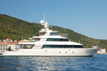 138ft Yacht FORTY LOVE