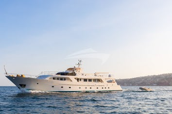 Luxury charter yacht INDIA