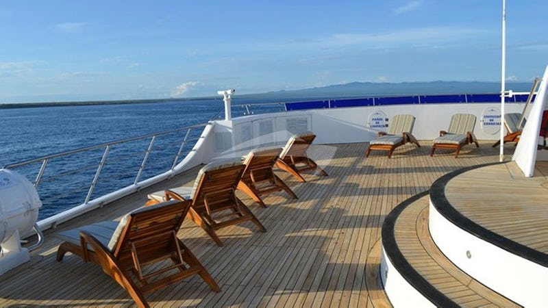 OCEAN SPRAY :: Deck Seating