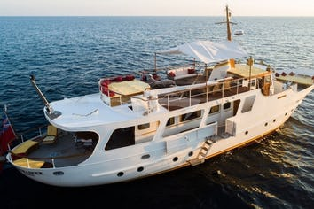 85ft Yacht ENTRANCER