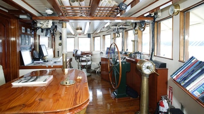 Wheelhouse with guest seating