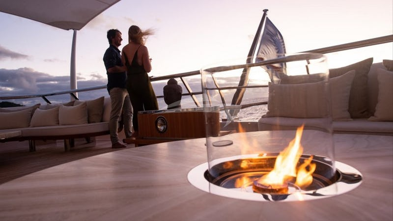 DRIFTWOOD :: Deck space and fire pit