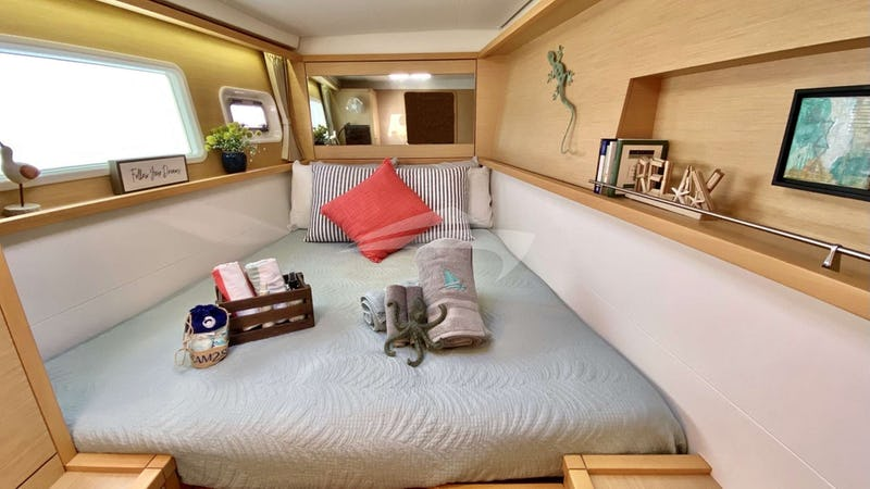 WHISKEY BUSINESS :: Forward Cabin