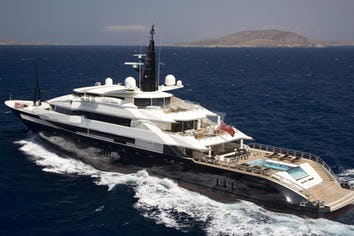 269ft Yacht ALFA NERO