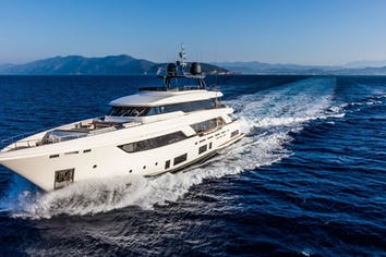 108ft Yacht DECEMBER SIX