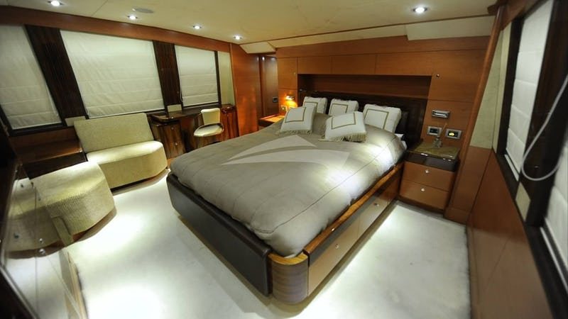 INFINITY 7 :: Guest Stateroom