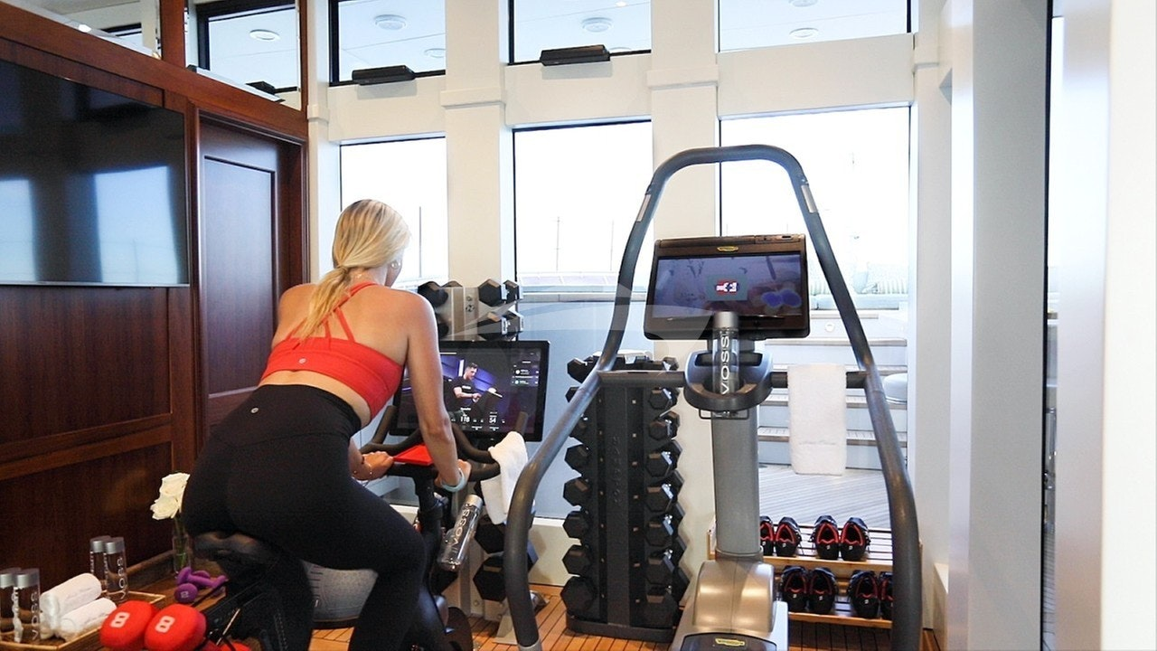 Air-conditioned gym on sundeck / view forward