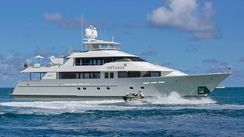 Yacht Charter ANTARES