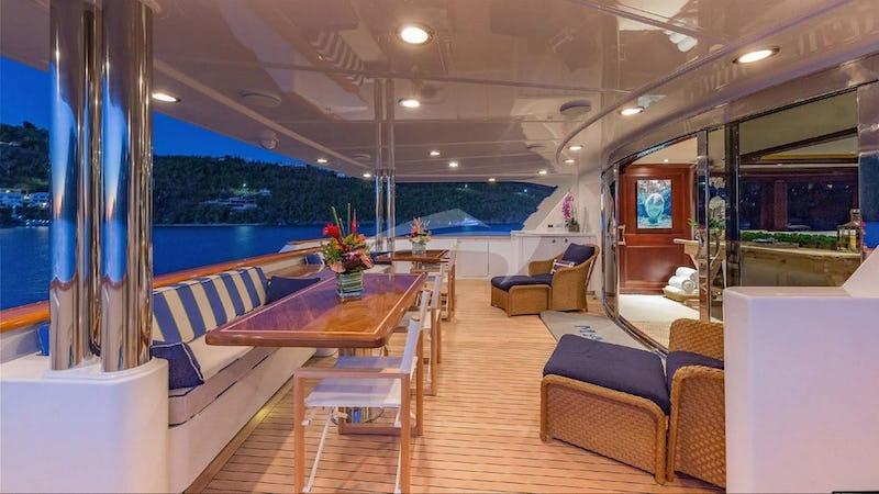 Main deck exterior dining