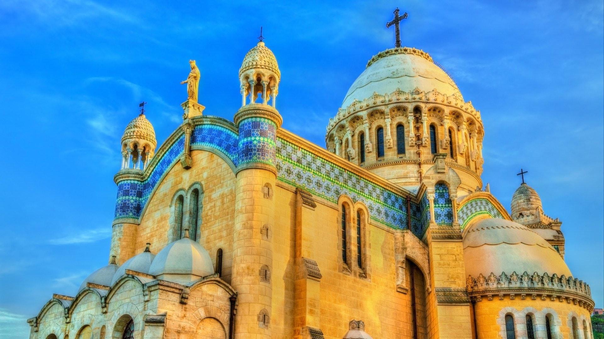 A Basílica de Nossa Senhora da África em Argel
