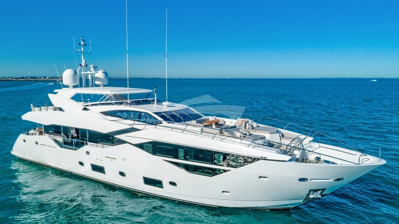 Yacht Charter FRATELLI