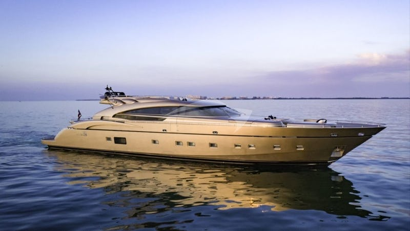 Yacht Charter FIVE WAVES