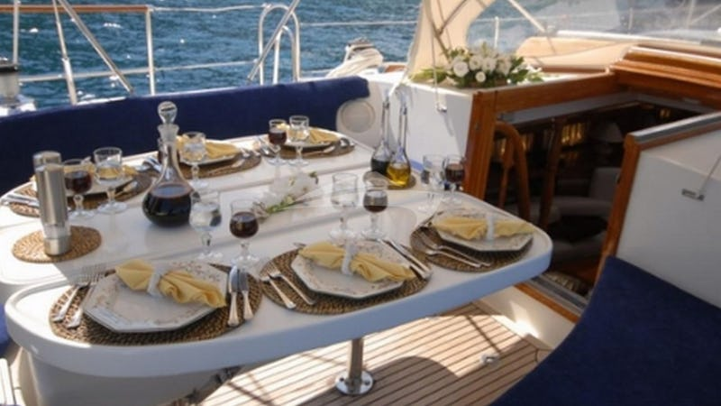 MORGANE :: Deck Dining