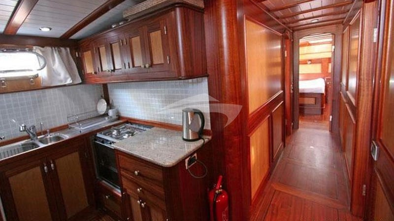 HAYAL 62 :: Galley and Hallway
