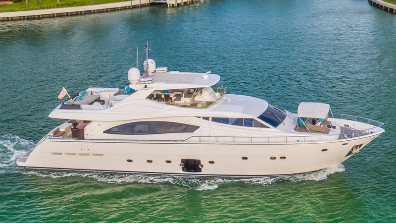 Yacht Charter CINQUE MARE