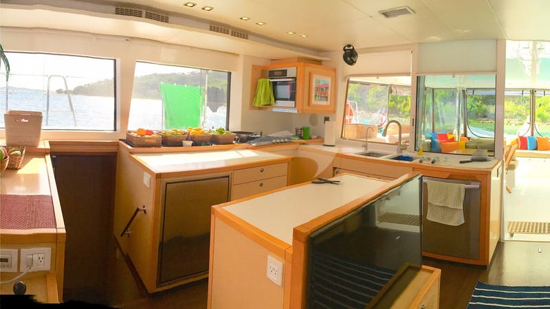Saloon and galley area starboard