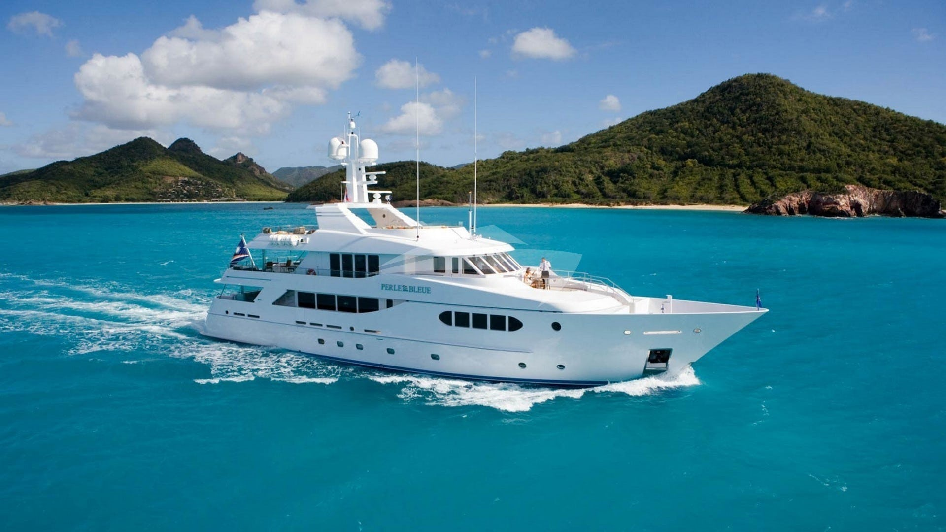 Yacht PERLE BLEUE Charter Yacht