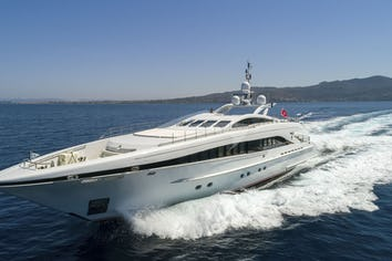 122ft Yacht L'EQUINOX