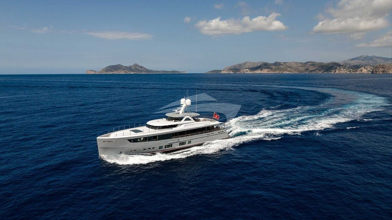 Yacht Charter DELTA ONE