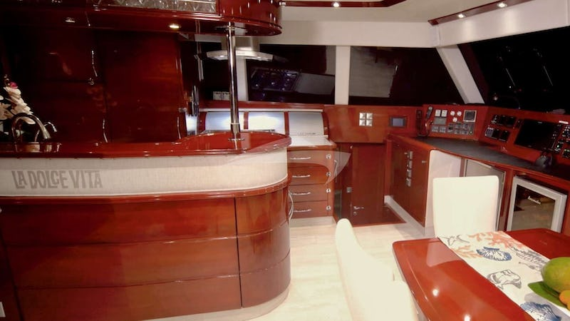 galley side of saloon