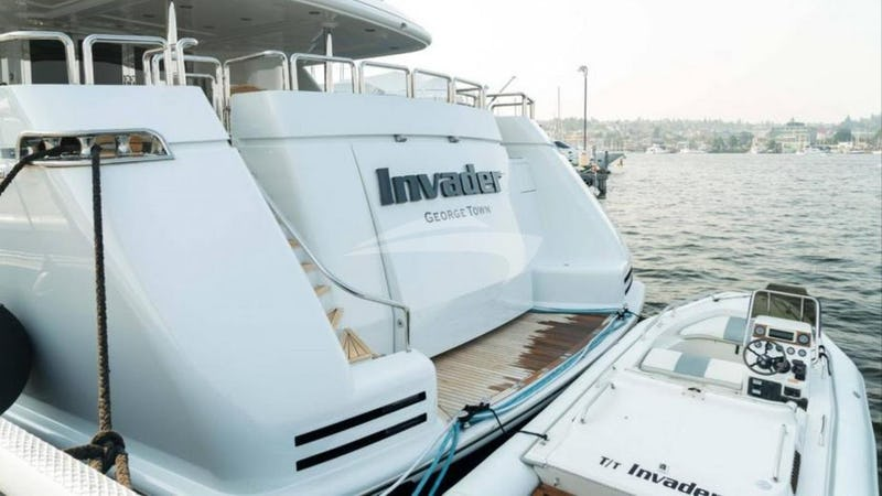 INVADER :: Swim Platform and Tender