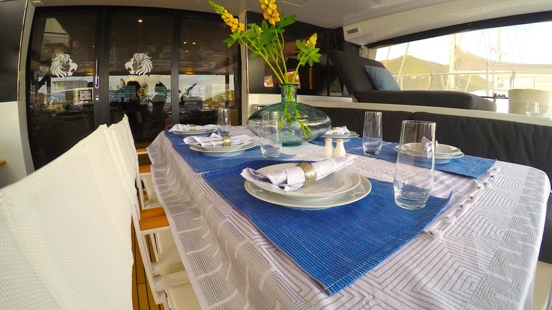 JAN'S FELION :: Dining on the aft deck