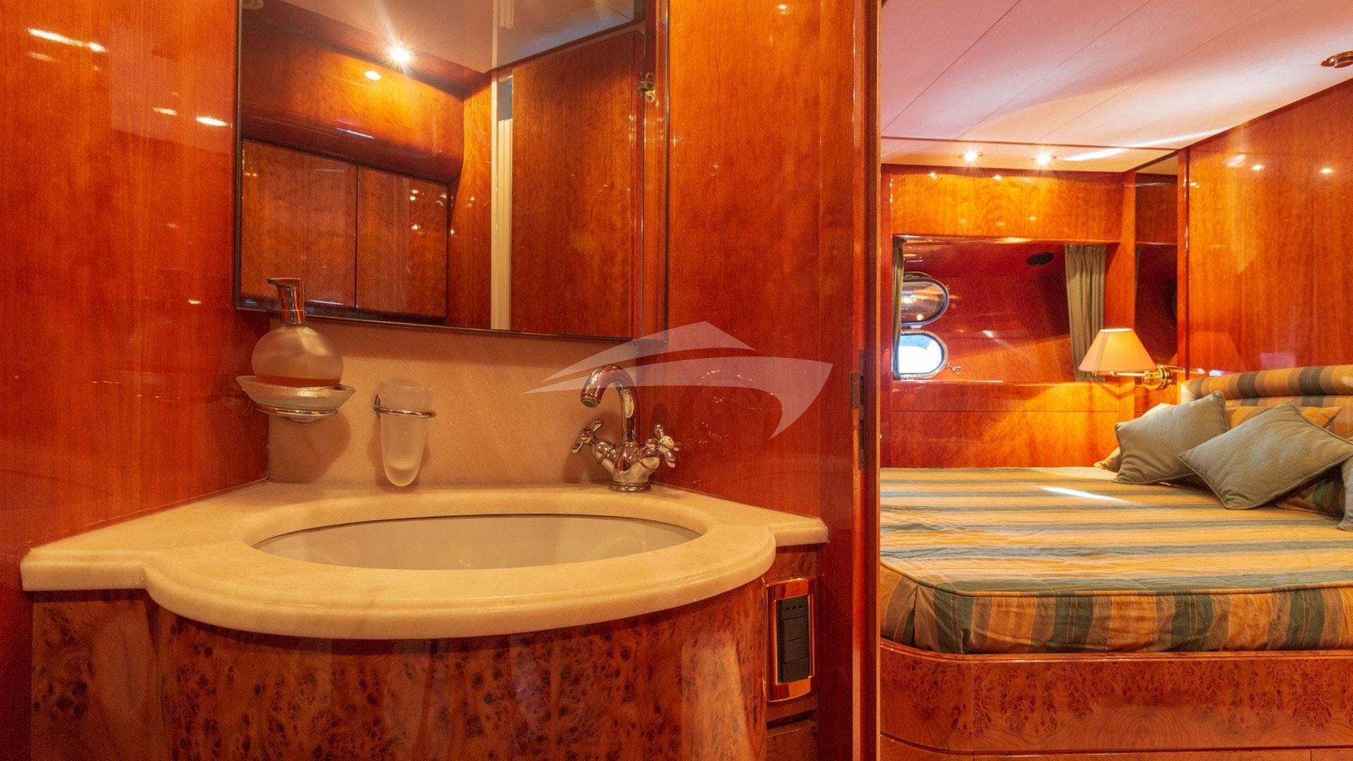 BarbarossaMoratti-SanLorenzo-72-VIP Cabin-04