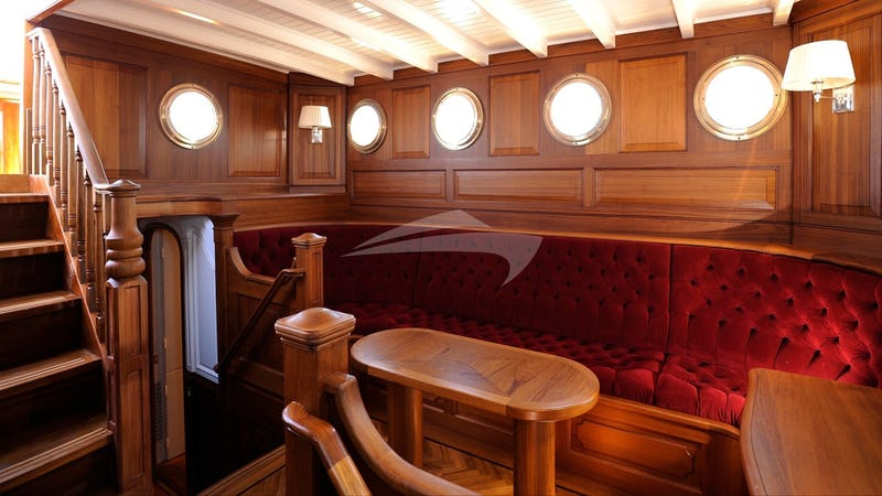 ATLANTIC :: Saloon Seating