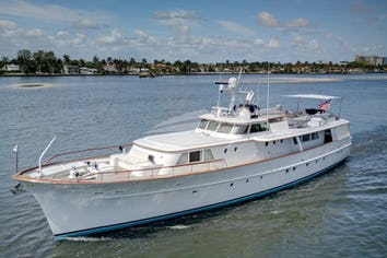 97ft Yacht SOVEREIGN
