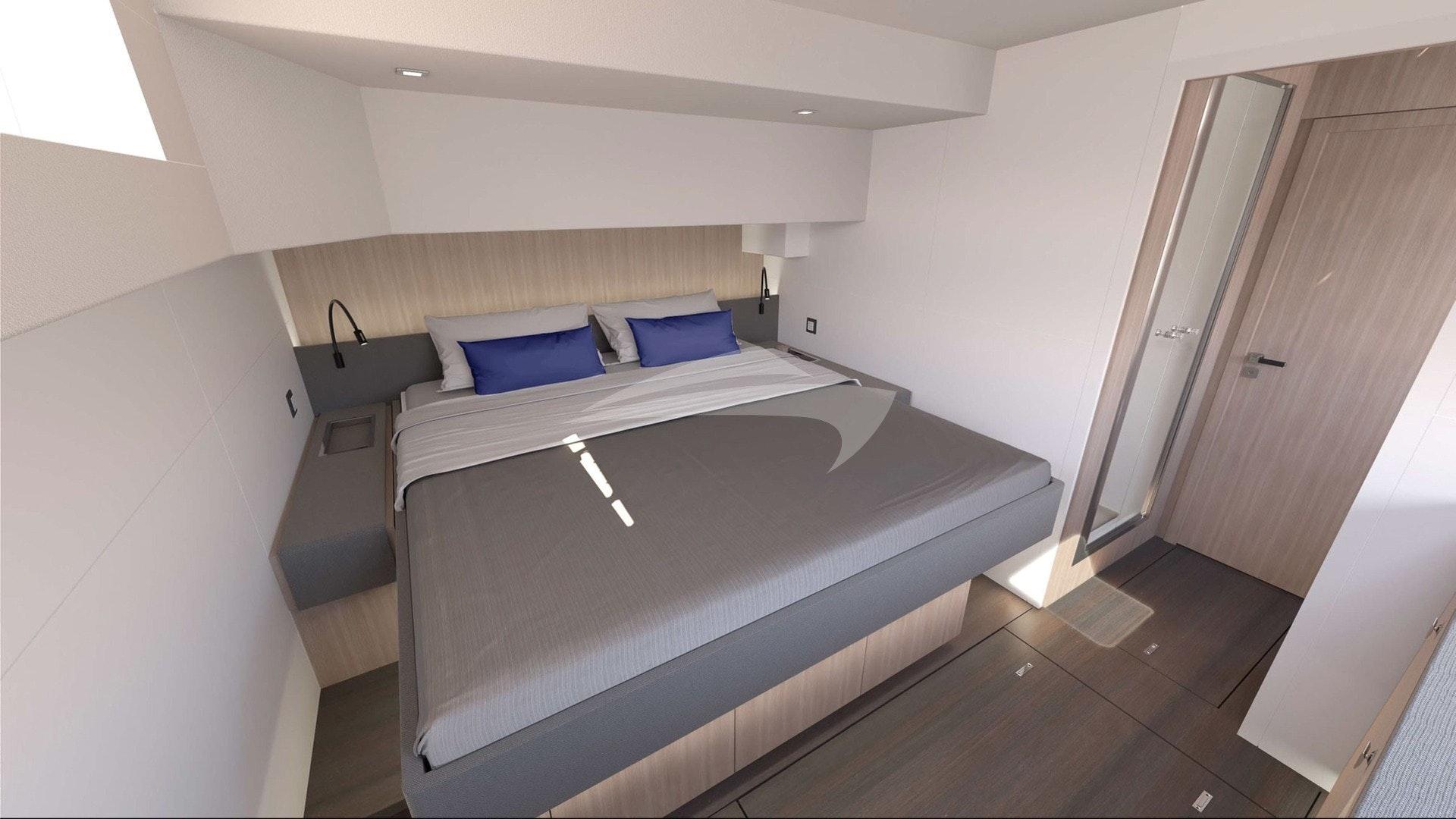 Guest queen berth suite