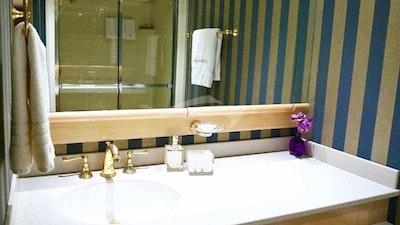 Sink area VIP bath