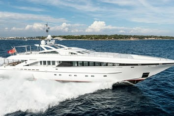 122ft Yacht HER DESTINY