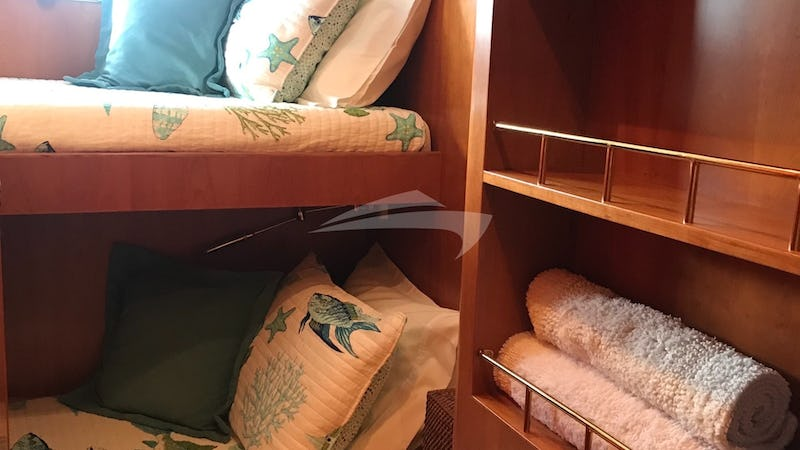 KAYLIANNA MARIE :: Guest stateroom #4 - criss cross bunks (shares a head/shower with one of the other guest rooms)