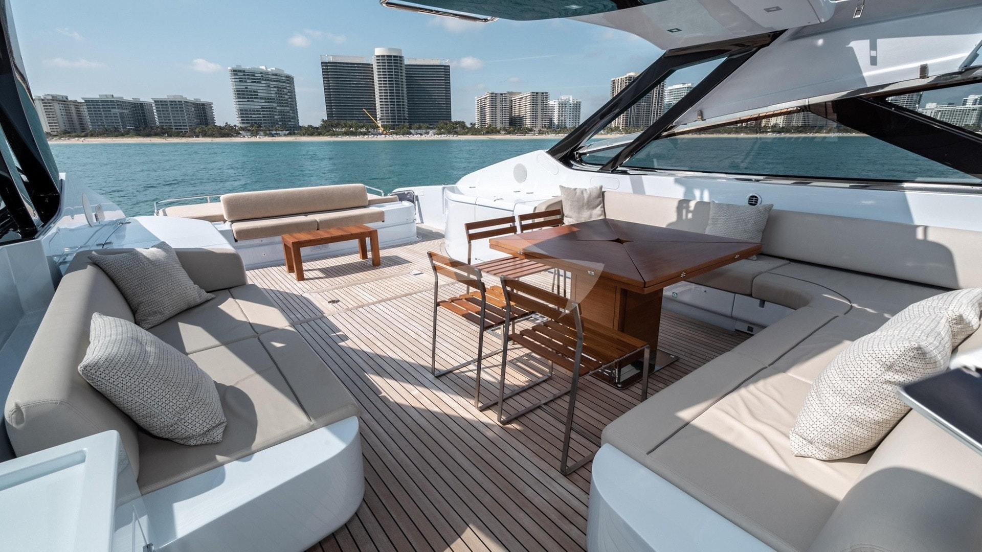 Main deck/ Alfresco Dining
